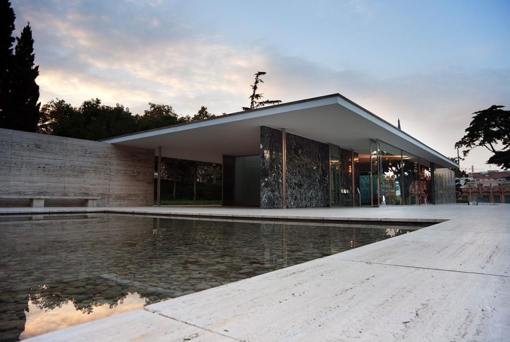 Pawilon Barceloński. Projekt -Ludwig Mies van der Rohe. Foto źródło: http://wllmos.tumblr.com
