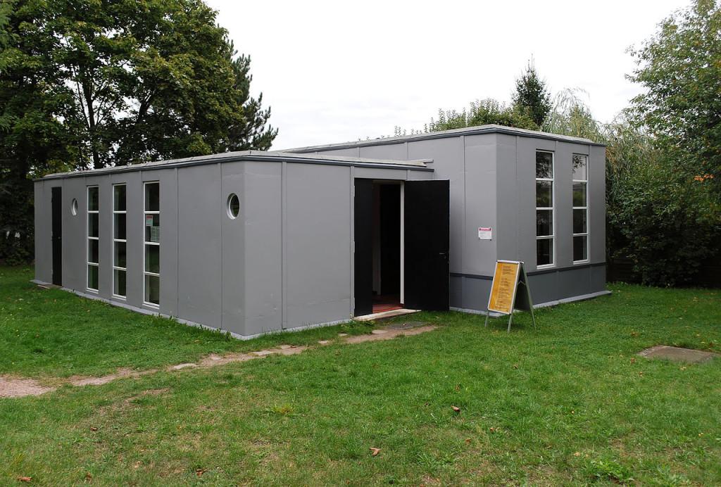 Stalowy dom w Dessau.  Foto źródło: https://de.wikipedia.org