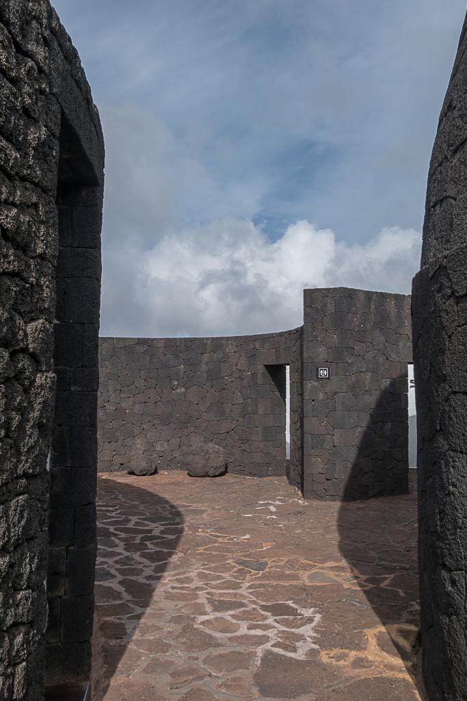 Punkt widokowy. Projekt: César Manrique. TIMANFAYA - HISZPAŃSKI PARK NARODOWY na Lanzarote Foto: Jacek Tryc