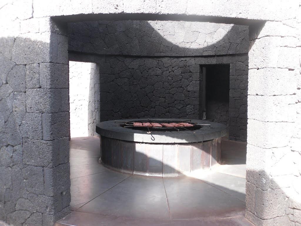 Restauracja EL DIABLO. Proj. César Manrique. TIMANFAYA - HISZPAŃSKI PARK NARODOWY na Lanzarote Foto źródło: http://www.panoramio.com