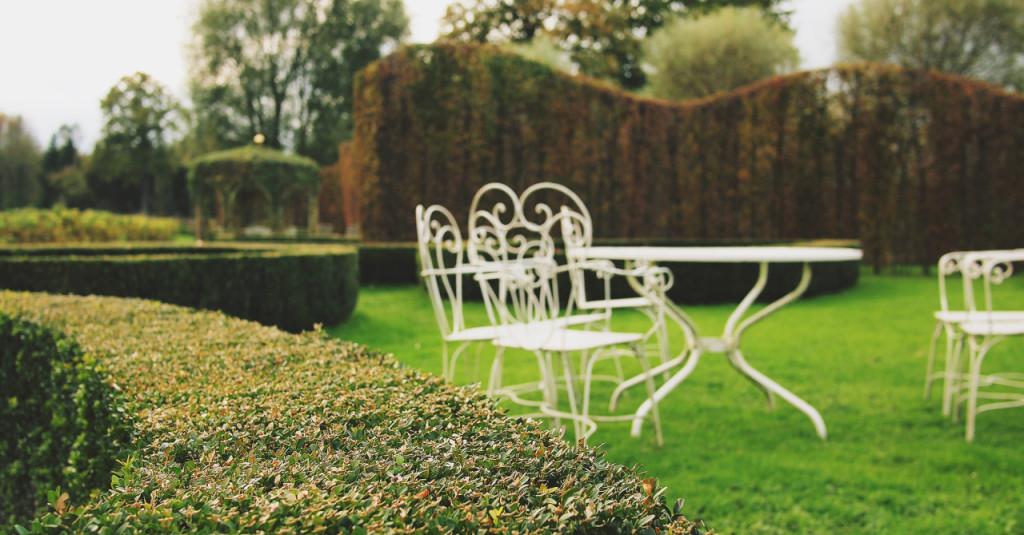 Ogrodowy stół z krzesłami