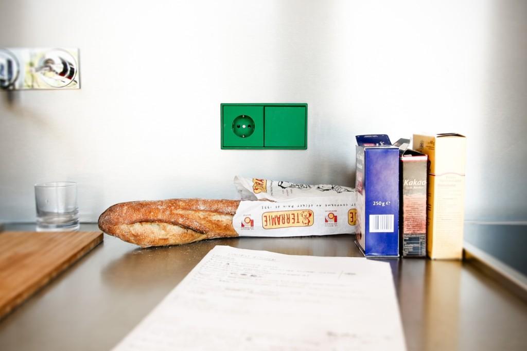 zielony włącznik, kontrastujący włącznik, kolorowe gniazdko,serii LS 990 w kolorach Les Couleurs® Le Corbusier, projektowanie wnętrz Warszawa