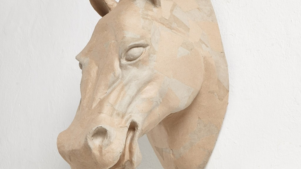 jacek tryc poleca propozycja dekoracji ciekawa dekoracja scienna na ścianę papierowe rzeźby ekologiczne głowa krowy kolorowe rzeźby architekt wnętrz projektowanie wnętrz warszawa design ozdoby na ścianę dekoracje ścienne