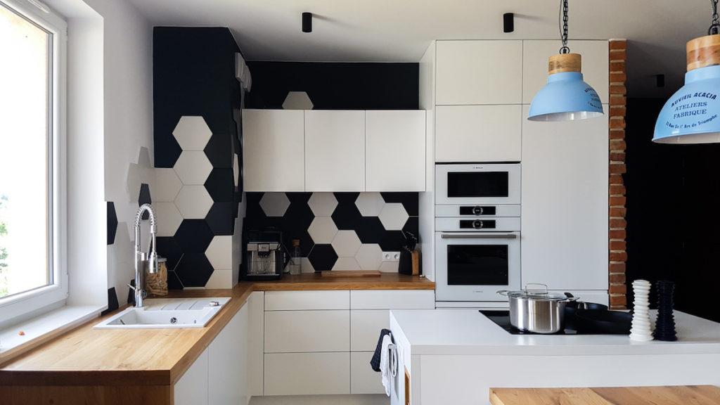 @tryc.pl projektowanie wnętrz, meble archiktekt biała kuchnia, nowoczesna kuchnia, kuchnia z wyspą, biała kuchnia