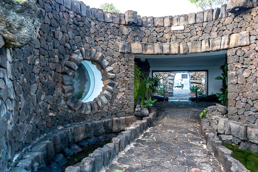 Jaskinia HiszpaniaCésar Manrique Lanzarote architekt design hiszpańska architektura wyspy kanaryjskie interiors projektowanie wnętrz blog o designie wnętrzach architekturze projektowanie niezwykła architektura projekt architektura organiczna