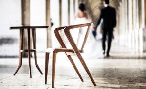 portugalskie krzesło z drewna i korka, eleganckie krzesło, ikona designu, chair