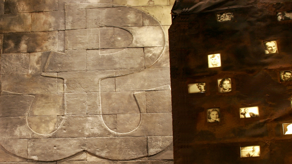 Muzeum Powstania Warszawskiego Warszawa ekspozycja Nizio design Interationa nowoczesne muzeum Jacek Tryc architekt projektowanie blog o designie dobra architektura ładne wnętrza projektowanie historia
