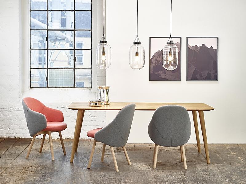 meble, ton, meble z drewna, architekt wnętrz, projektowanie wnętrz warszawa, aranżacja wnętrz, stół i krzesła, ładny stół, Jacek Tryc, dobry architekt, ładne wnętrza, architekt Warszaw