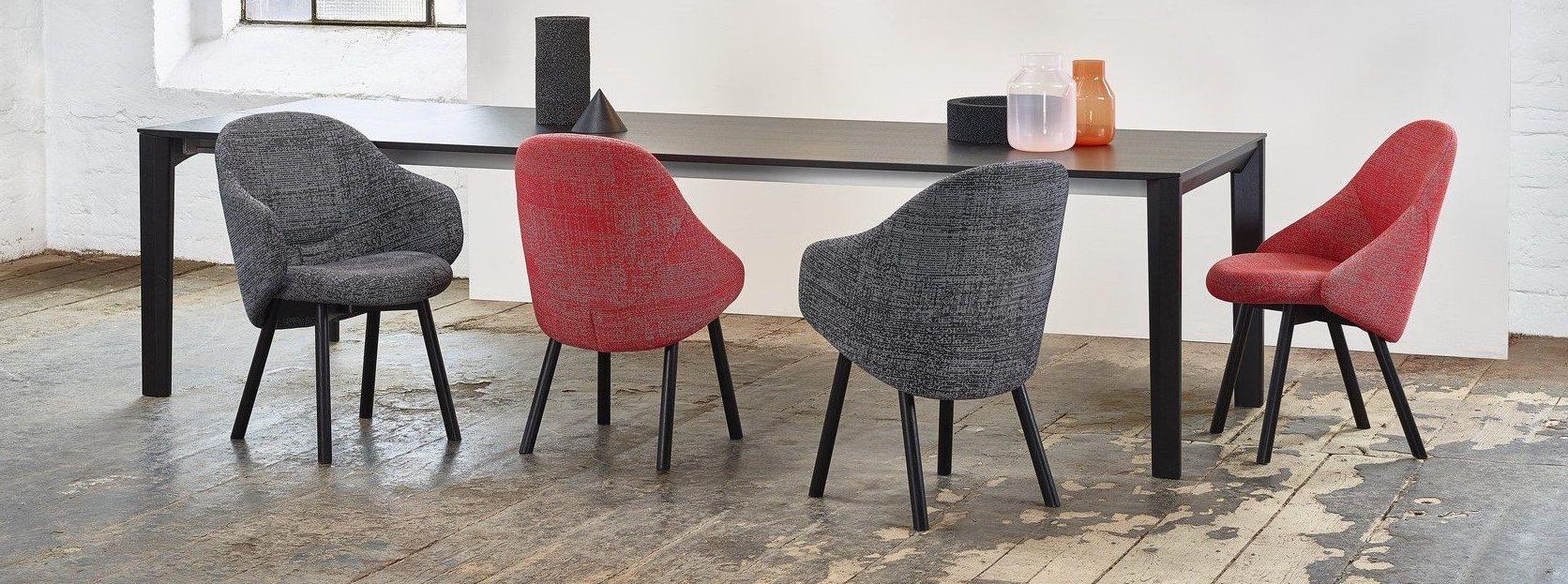 Jace Tryc architekt Warszawa projektowanie wnętrz aranżacja wnętrz fotel tapicerowany nowa kolekcja, ładny fotel meble TON