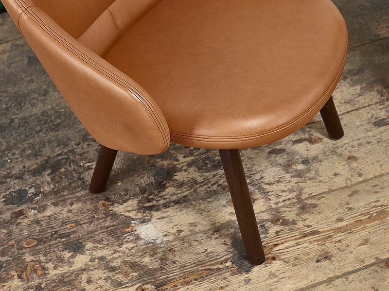 meble, ton, meble z drewna, architekt wnętrz, projektowanie wnętrz warszawa, aranżacja wnętrz, stół i krzesła, ładny stół, Jacek Tryc, dobry fotel, skóra, architekt, ładne wnętrza, architekt Warszaw