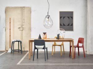 meble, ton, meble z drewna, architekt wnętrz, projektowanie wnętrz warszawa, aranżacja wnętrz, stół i krzesła, ładny stół, Jacek Tryc, dobry architekt, ładne wnętrza, architekt Warszawa