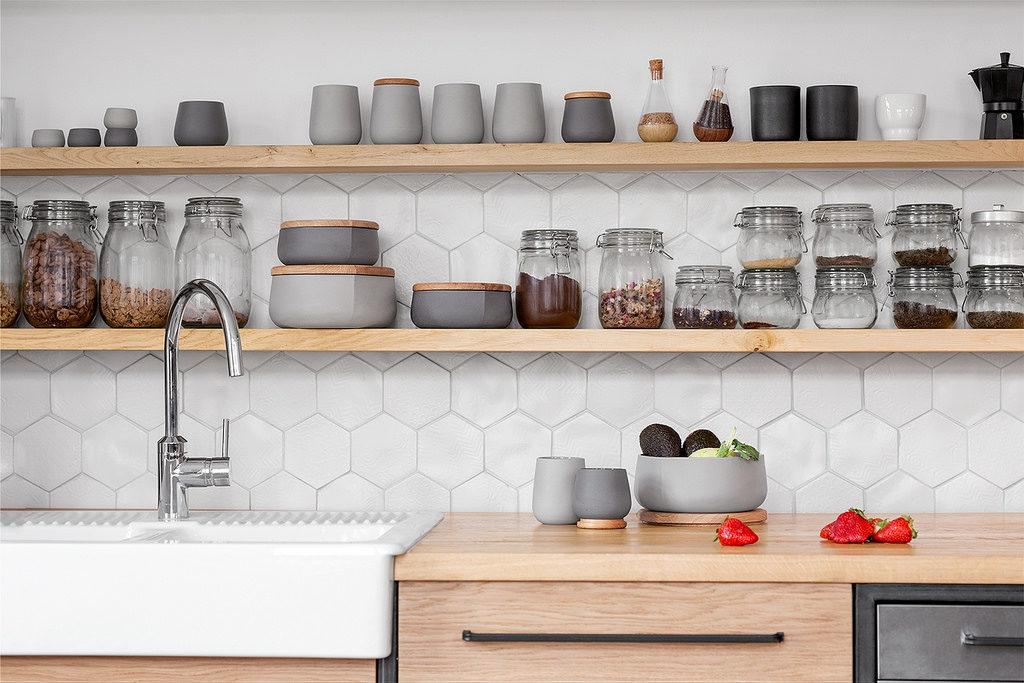 ceramika do kuchni matowa ceramika ładne naczynia do kuchni must have aranżacja wnętrz projektowanie wnętrz architekt wnętrz blog o wnętrzach Jacek Tryc