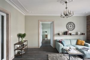 shabby chic styl korytarz meble stre apartament Mokotów dom w kamienicy