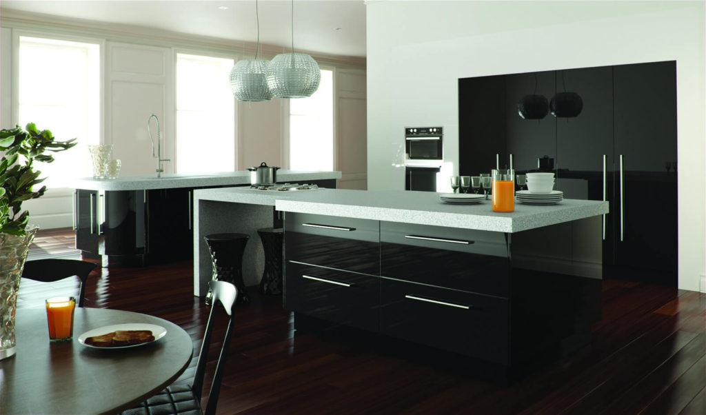kuchnia meble czarne meble w kuchni jaka kuchnia inspiracje kuchnia nie biała kuchnia wysoki połysk