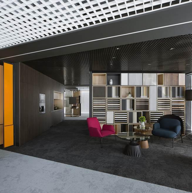 Kronospan salon wystawowy ul. Twarda Warszawa relacja o twarcia Jacek Tryc architekt blog
