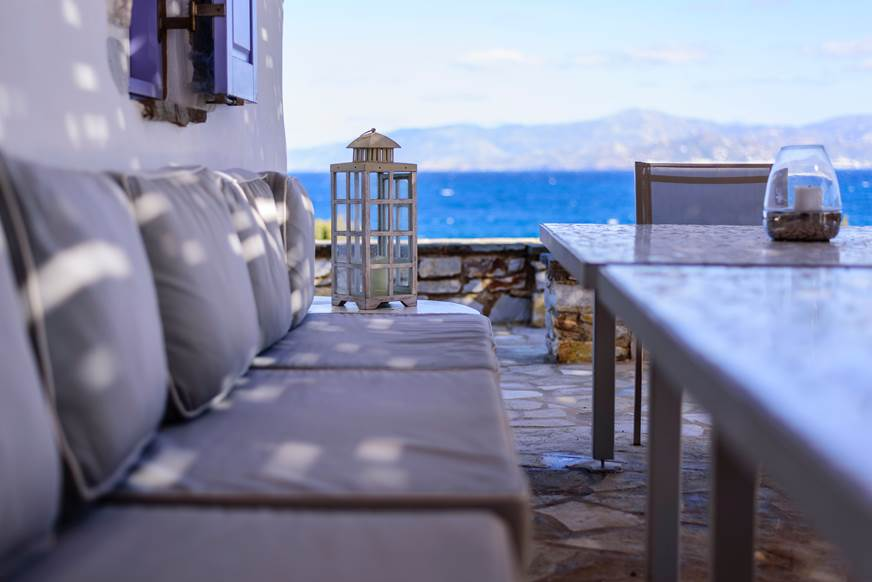 taras śródziemnomorski klimat nad morzem aranżacja tarasu projekt apartament nad morzem