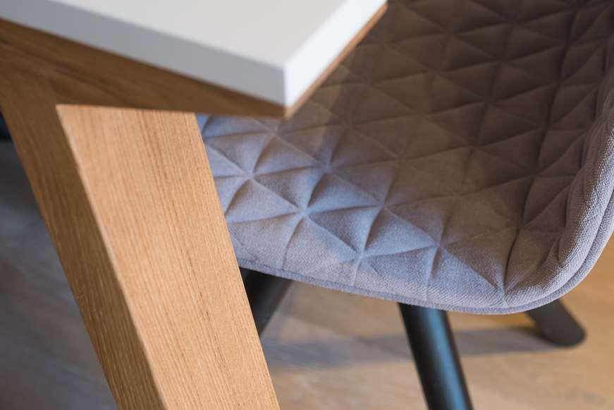 krzesła aranżacja wnętrz warszawa blog porady architekta Jacek Tryc architekt wnętrz