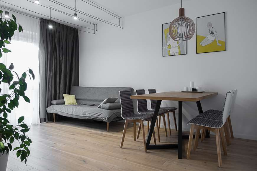 krzesła i stół projektowanie mieszkań i domów Warszawa architekt wnętrz Jacek Tryc