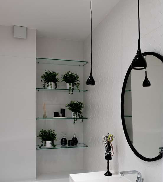 oświetlenie do łazienki lampy wiszące ładna łazienka architekt wnętrz Warszawa projektowanie wnętrz warszawa Jacek Tryc pracownia projektowania wnętrz ładna łazienka