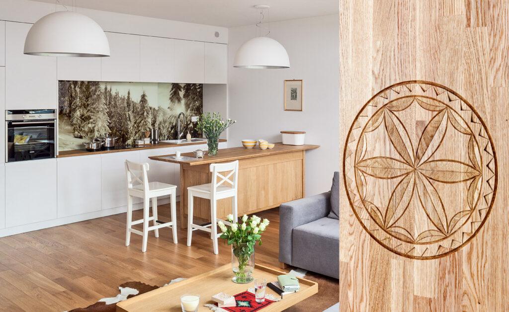 kuchnia niezwykła, kuchnia, barok, piękna kuchnia, drewniane meble, kuchnia w Zakopanem, apartament w Zakopanem