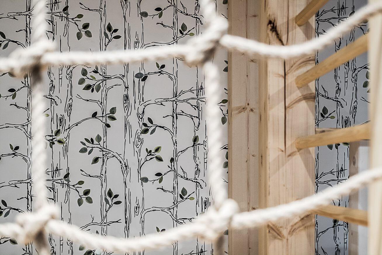 tapeta w pokoju dla dzieci plac zabaw w domu meble na wymiar architekt wnętrz Warszawa Jacek Tryc